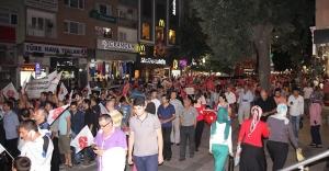 Zeytinburnu MHP'den Zafer Bayramı ve Teröre Lanet Yürüyüşü Gerçekleştirdi