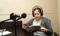 Anneler görme engelli çocukları için kitap seslendirdi