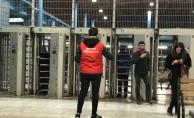 CHP'li Gençler Metro Yolcularına Çorba İkram Etti