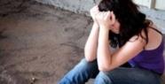 Öz oğlu sevgilisine tecavüz edince öldürdü