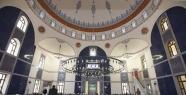 Valide Camii açılışında eller Karaman...