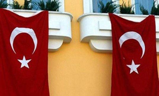 Türk bayrağı asın deyince...