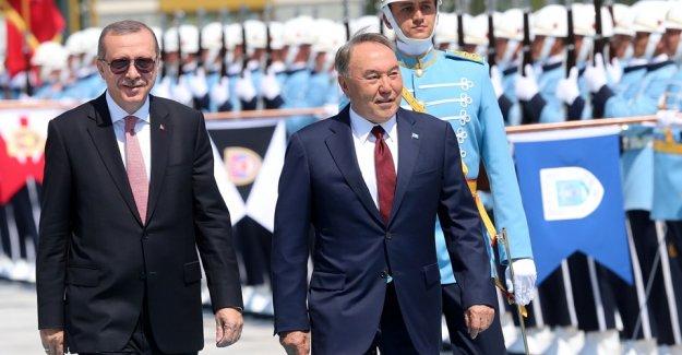 Türkiye'ye Gelen İlk Cumhurbaşkanı Nazarbayev Oldu