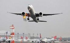 Atatürk Havalimanında uçak yanıyor