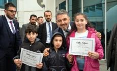 221 öğrenci İngilizce belgesini aldı