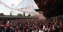 Tıp Festivalinde Gökten Mesir Macunu Yağdı