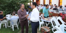 Malatyalılar İstanbul'da Kayısı Bahçesi İçinde İftar Yaptı