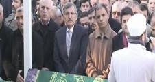 Hüseyin Avni Mutlu Yunus Emre Demirci'nin cenazesine gitti