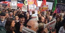 Cumhuriyet gazetesi önünde destek eylemi