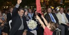 """İranlı Anne """"Barış"""" Konserinde Ayakta Alkışlandı"""