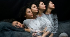 Uyurgezerleri uyandırmak tehlikeli midir?