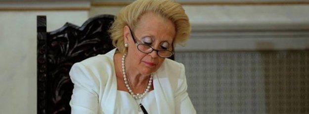Yunanistan erken seçime ilk kadın başbakan ile hazırlanıyor