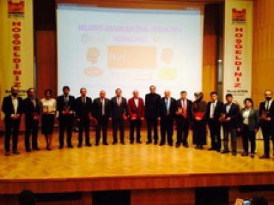 Zeytinburnu Belediyesi Bilgi Evleri'ne Ödül