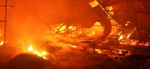 Zeytinburnu'nda işyeri yangını