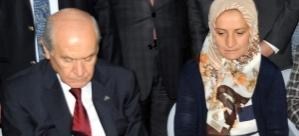 Şehit Eşi İsyan Etti: Cumhurbaşkanı Altın Kaşıkla Yemek Yerken Benim Kocam 5 Gün Eve Gelmedi