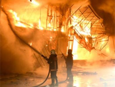 10 katlı binada yangın paniği!