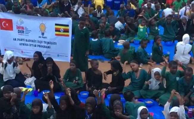 Ak Parti'den Uganda İftarı