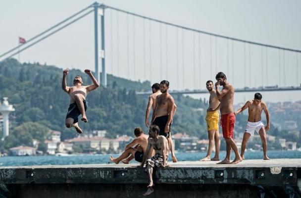 Ülke genelinde sıcak havalar etkili oldu