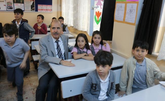 Zeytinburnu Yıl Sonu Karne Etkinliği Bozkurt  İlkokulunda Yapıldı
