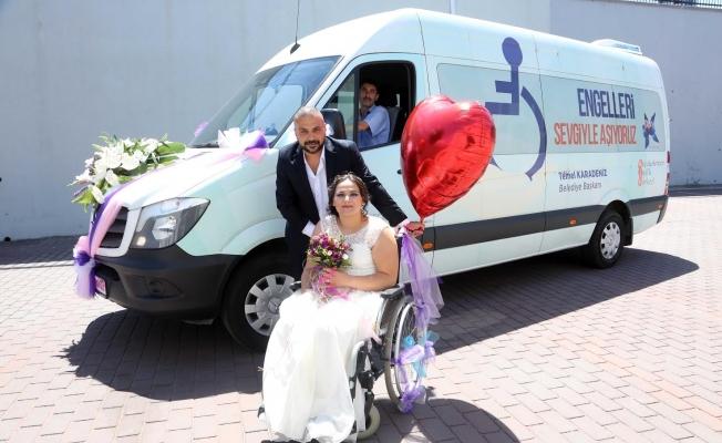 Belediyenin Asansörlü Engelli Aracı Gelin Arabası Oldu