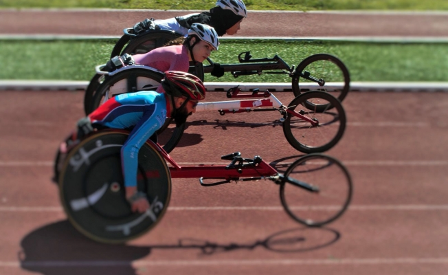 Engelli atletler 12 altın madalya ile döndü