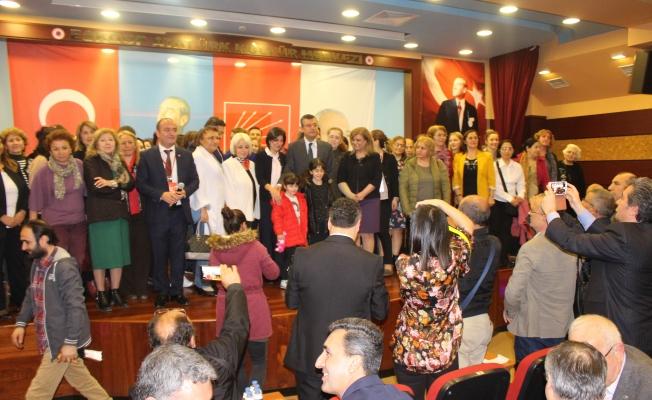 Özgür Özel : Türkiye'de Neler Olduğunu Anlattı