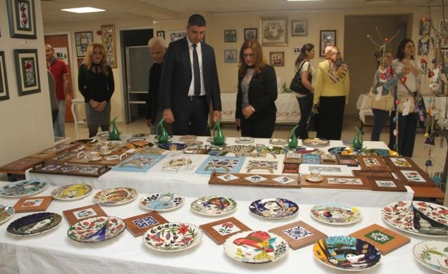 Kartal Belediyesi Kültür Merkezi'nde Yıl Sonu Sergisi Açıldı