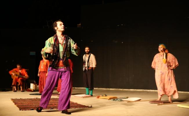 Kadıköy Belediyesi Tiyatro Festivali başladı