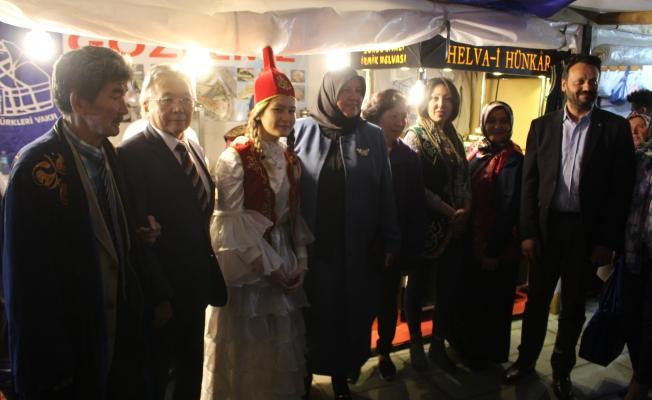 Kazaklar'dan Konuklarına Kımız İkramı