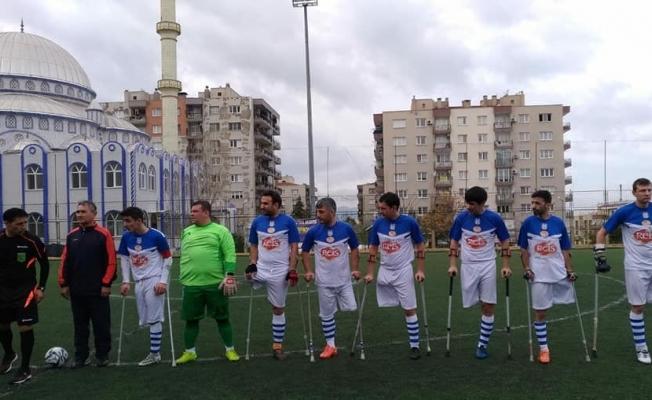 İsös, Engel Ve  Mesafe Tanımadı İzmir'den 4-0 Galip Döndü!..