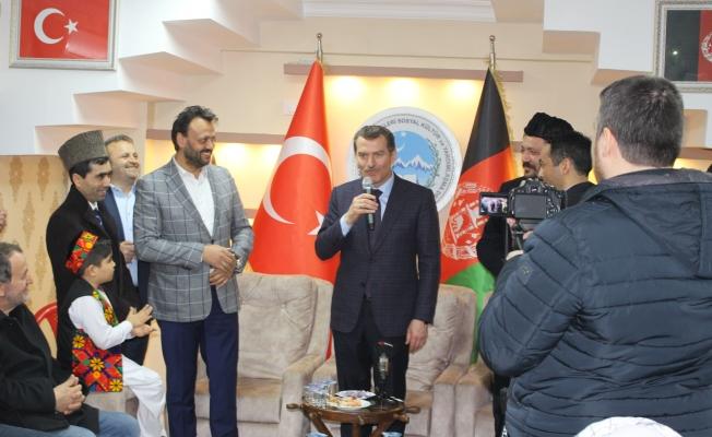 Afgan Türkleri Arısoy'u bağrına bastı