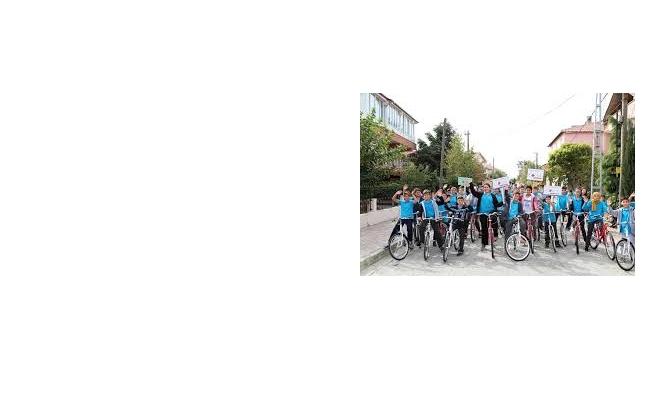 """İbb'den """"Haydi Çocuklar Bisikletle Okula"""" Etkinliğine Destek"""