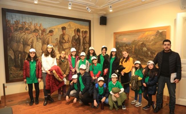 Küçükçekmeceli Öğrencilere Başkan Amcalarından Karne Hediyesi