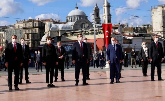 İmamoğlu, 23 Nisan'ın 100'ncü Yıldönümünde Taksim''deydi …