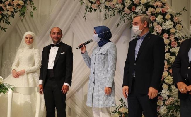 Zeynep Betül ve Serdar'ın Nikahına Yoğun İlgi