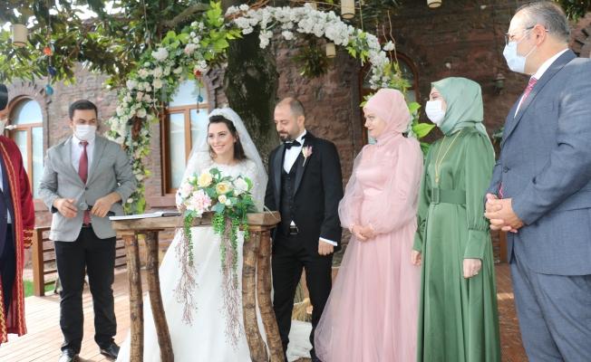 Ayşe Nur ve Ahmet'in Nikahını Başkan Arısoy Kıydı