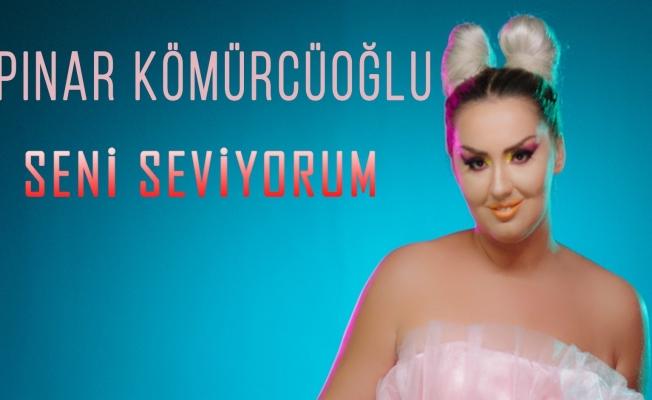 Ebru Gündeş'in Şarkılarını Söyledi