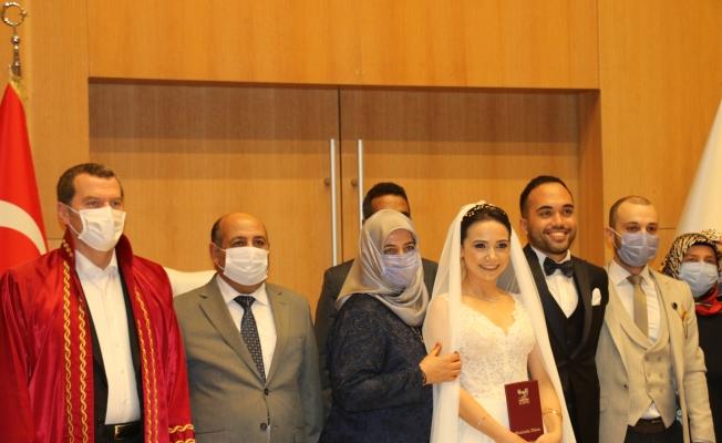 Esra ve Fatih 'in Nikahını Başkan Arısoy Kıydı...