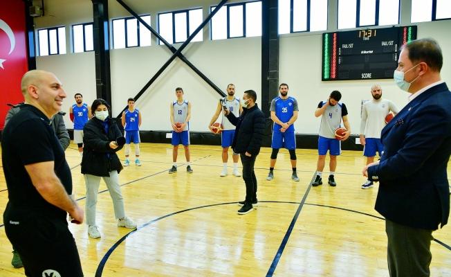 Başkan Çalık Basketbol İhtisas Takımını Ziyaret Etti
