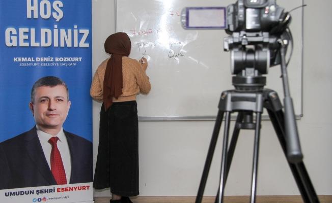 Esenyurt Belediyesi'nden Gençlere Online Eğitim Desteği