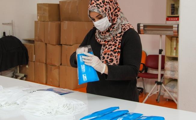 Esenyurt Belediyesi Kendi Maskesini Kendisi Üretiyor