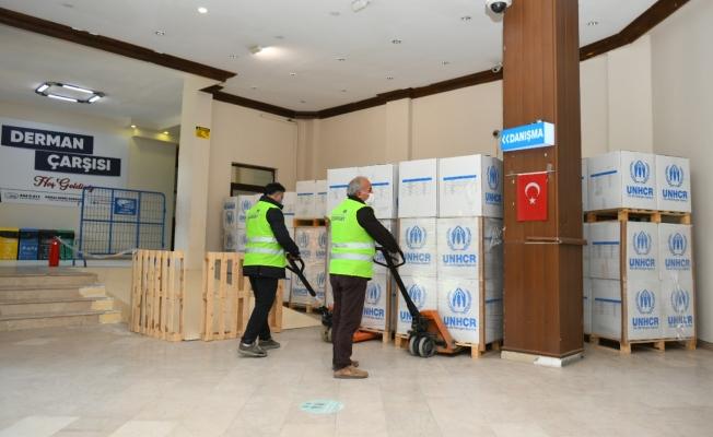 Esenyurt Belediyesi'nden İhtiyaç Sahiplerine 8 Bin Hijyen Kolisi