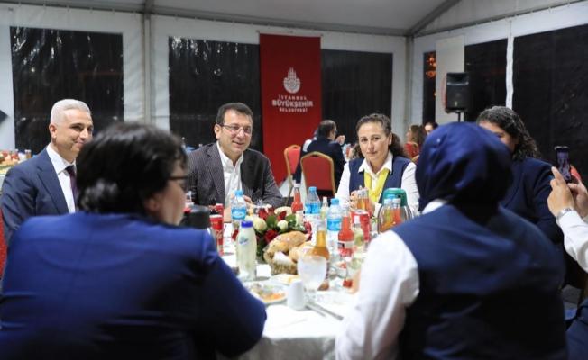 """İmamoğlu'ndan Tam Kapanma Yorum : """"Çok Sevindim"""""""