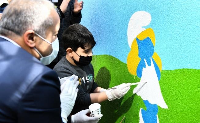 Parkların Duvarları Çocuklar İçin Renkleniyor