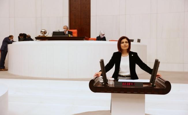 CHP'Lİ Vekil Emecan'dan Anneler Gününde Anlamlı Kanun Teklifi