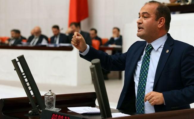 Özgür Karabat: Sarayda yaşayanlar, şatafatlı yalıtım yüzünden vatandaşın sesini duymuyor!
