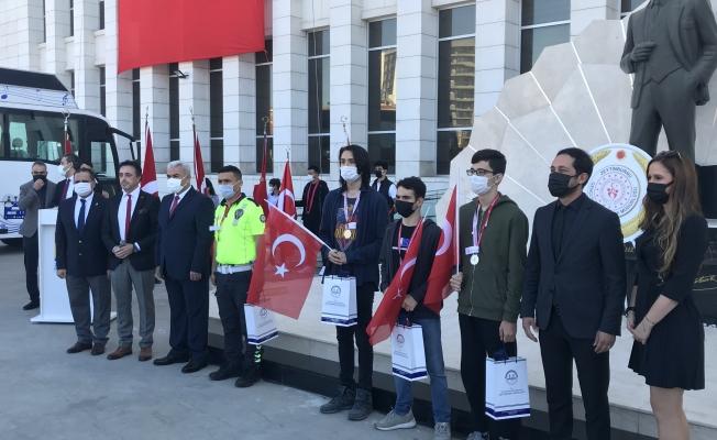 Zeytinburnu 19 Mayıs'ı Kutladı
