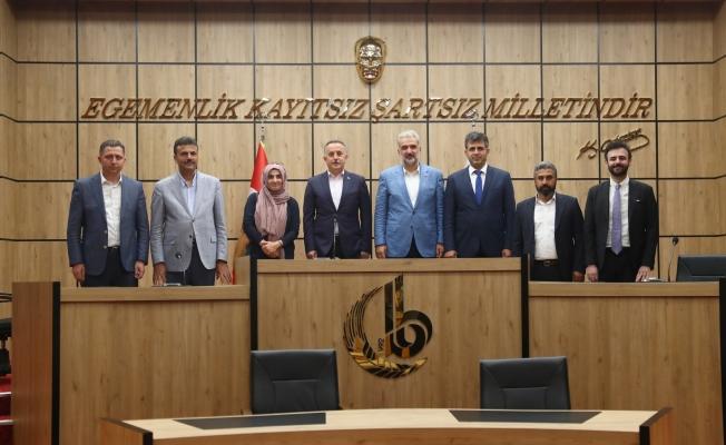 AK Parti İstanbul İl Başkanı Osman Nuri Kabaktepe, Bağcılar'ı ziyaret etti