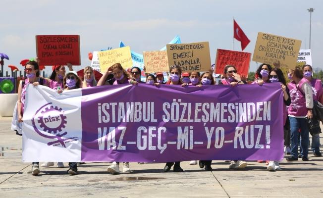 Kadınlar Maltepe'den seslendi. 'Sözleşmeden Değil Önümüzden Çekilin!'
