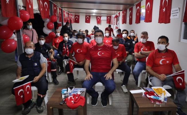 Kartal Belediye Başkanı Yüksel, Milli Maç coşkusunu emekçilerle paylaştı